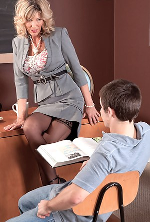MILF Teacher XXX Pictures