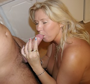 Homemade MILF XXX Pictures