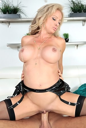 Dick in MILF Pussy XXX Pictures