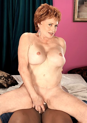 MILF Cowgirl XXX Pictures