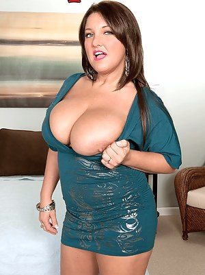 MILF Dress XXX Pictures