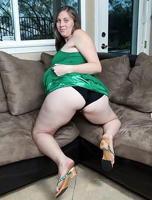 Chubby MILF XXX Pictures