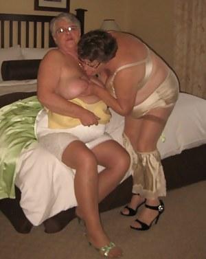 MILF Tit Sucking XXX Pictures