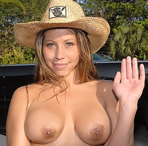 MILF Country Girl XXX Pictures
