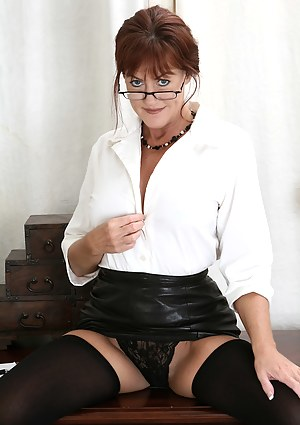 MILF Leather XXX Pictures