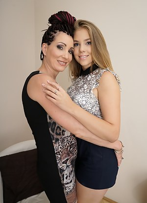 Lesbian MILF Humping XXX Pictures