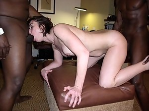 MILF Interracial XXX Pictures