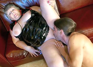 MILF Latex XXX Pictures