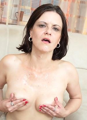 Cum on MILF Tits XXX Pictures