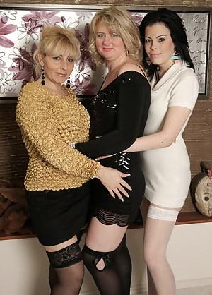 Lesbian MILF Orgy XXX Pictures