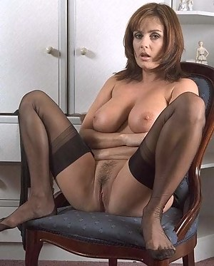 MILF Trimmed Pussy XXX Pictures