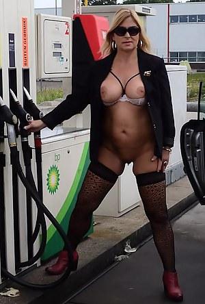 MILF Public XXX Pictures