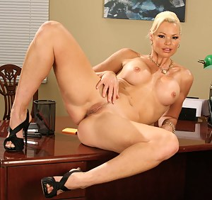 Blonde MILF XXX Pictures