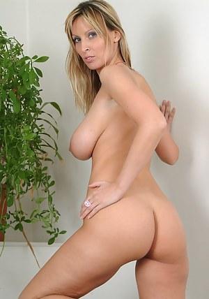 MILF Butt XXX Pictures