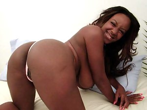 Black MILF Ass XXX Pictures