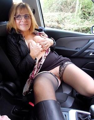 MILF Car XXX Pictures